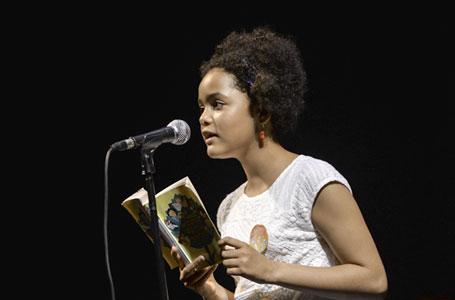 Photo de Zoé lisant lors de LPCL 2019