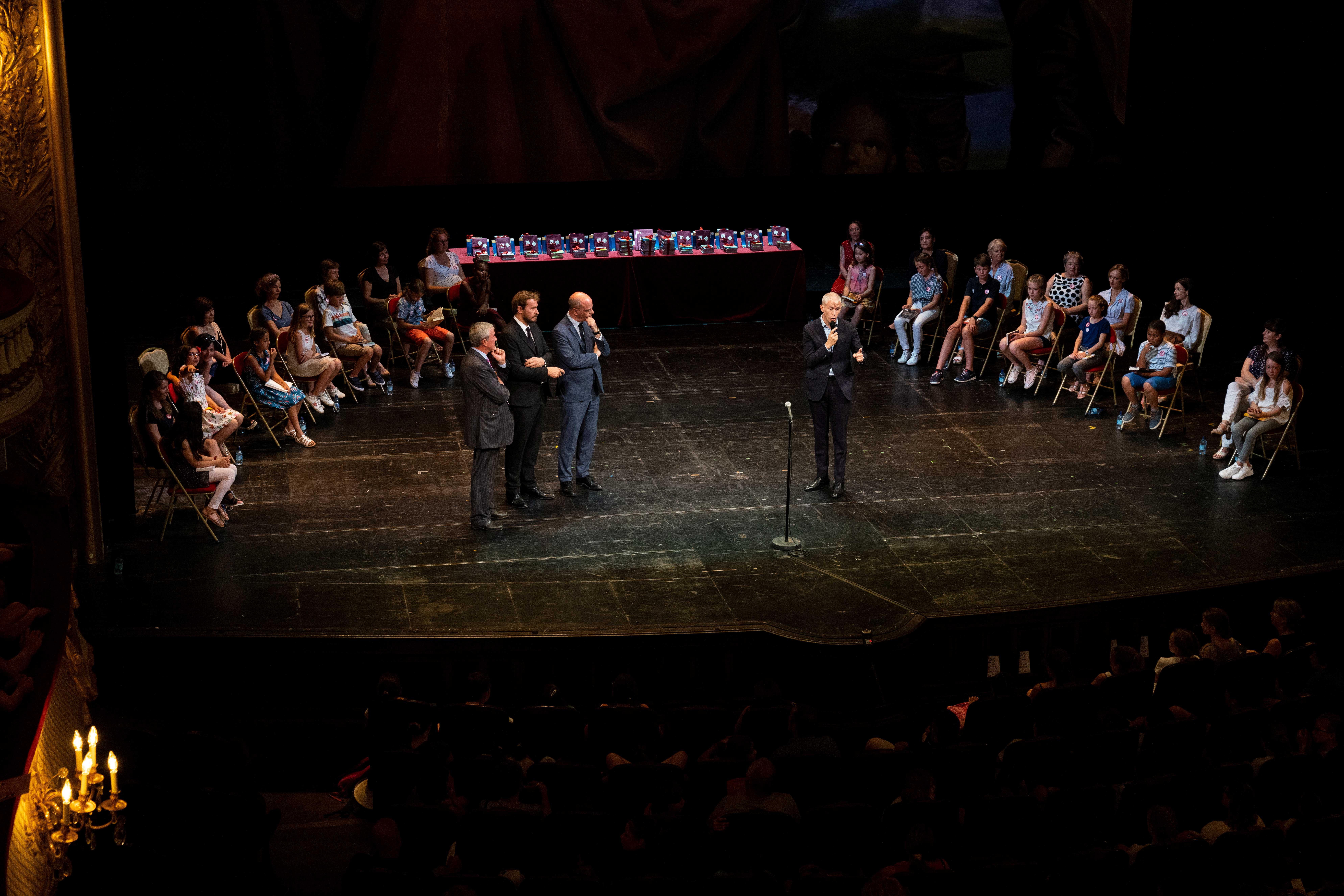 Photo des ministres, Éric Ruf et Antoine gallimard sur scene 2019
